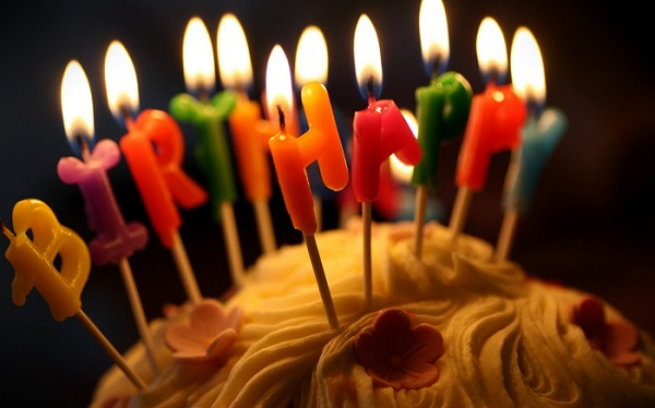 fire_party_candles_birthday_cakes_1440x900_61459