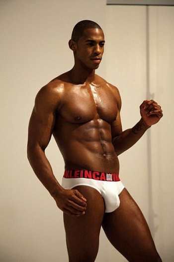 Mehcad Brooks 03