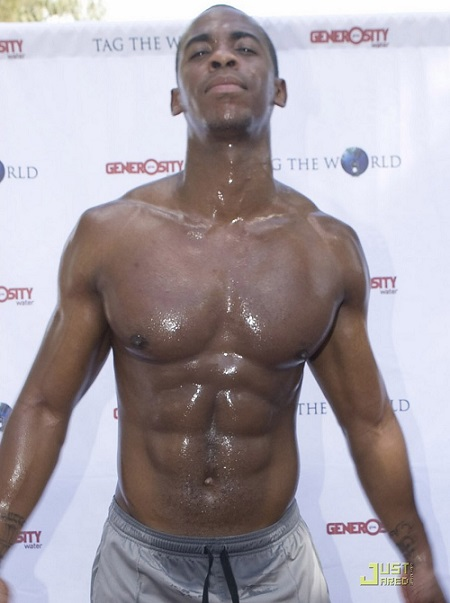 Mehcad Brooks 06