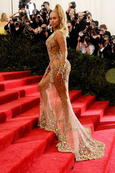 "NEW YORK, NY - MAY 04:  Beyonce arrives at ""China: Through The Looking Glass"" Costume Institute Benefit Gala at the Metropolitan Museum of Art on May 4, 2015 in New York City.  (Photo by Rabbani and Solimene Photography/Getty Images)"